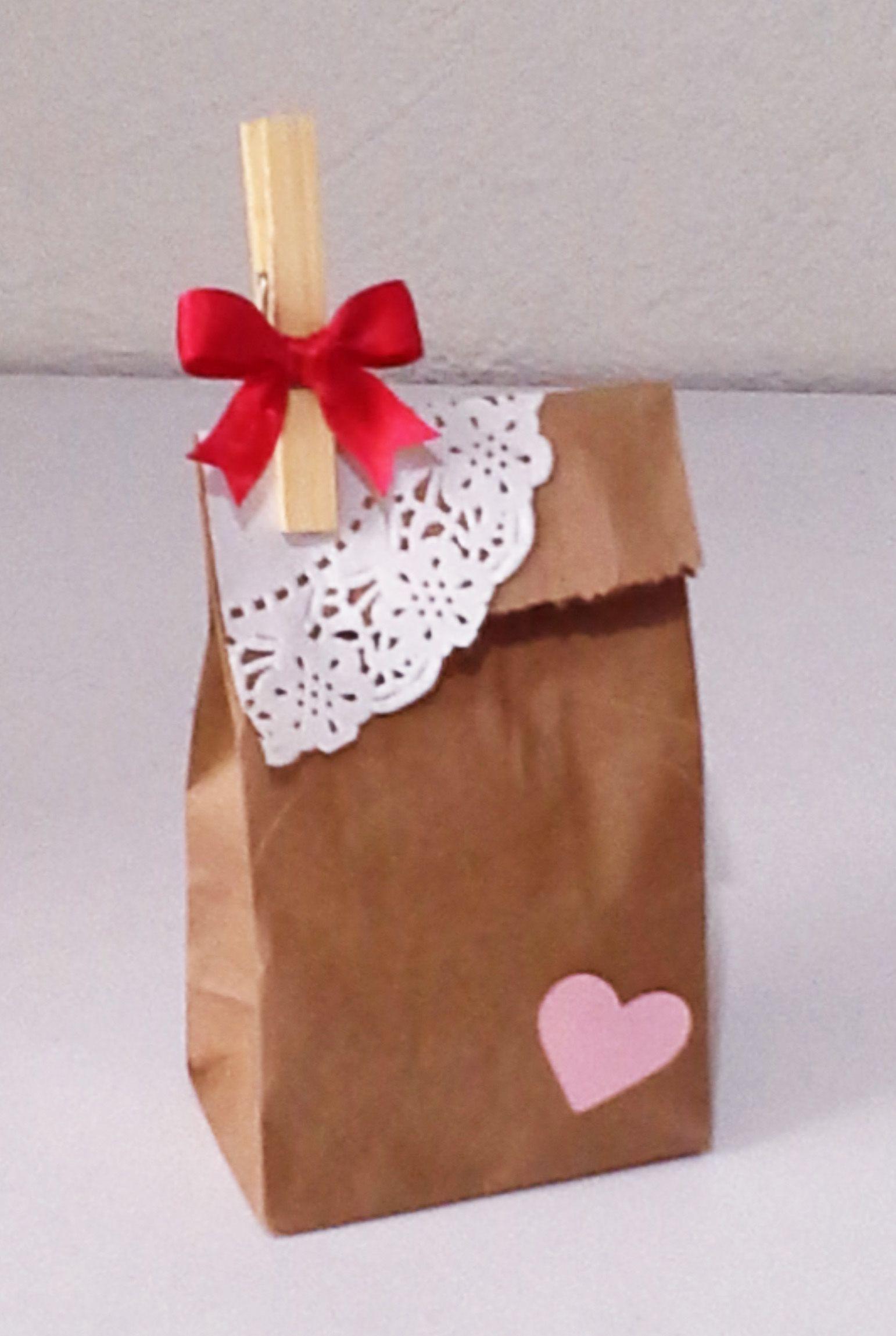 f947a8656 Bolsita de papel de estraza | Cajitas decoradas | Sobres de papel ...