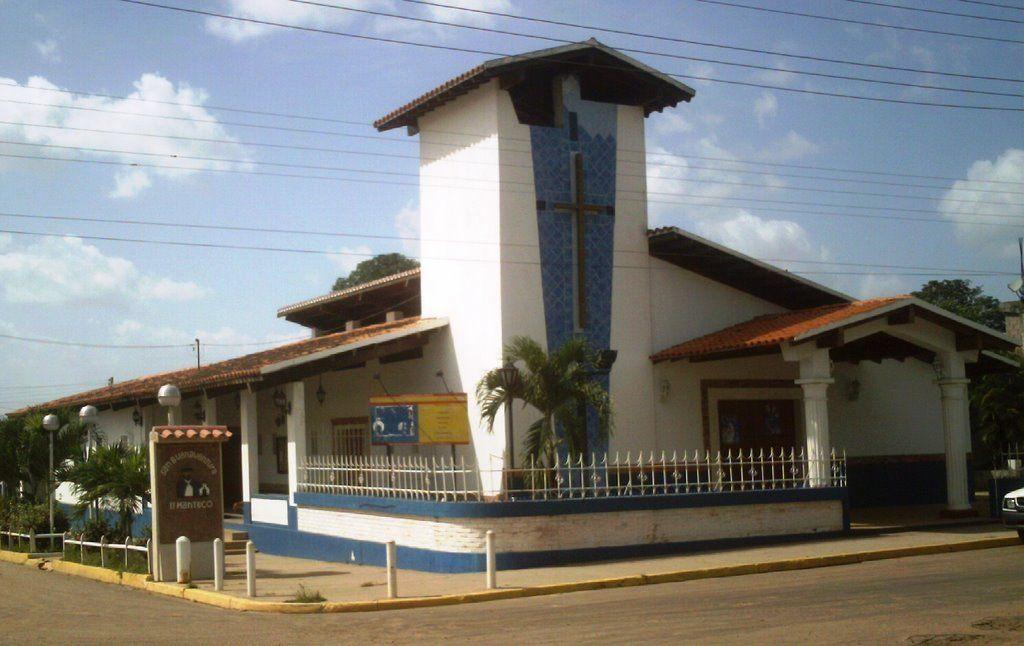 Bolívar, municipio Piar, Templo de Santa Teresa de Avila El Manteco Parroquia Pedro Cova