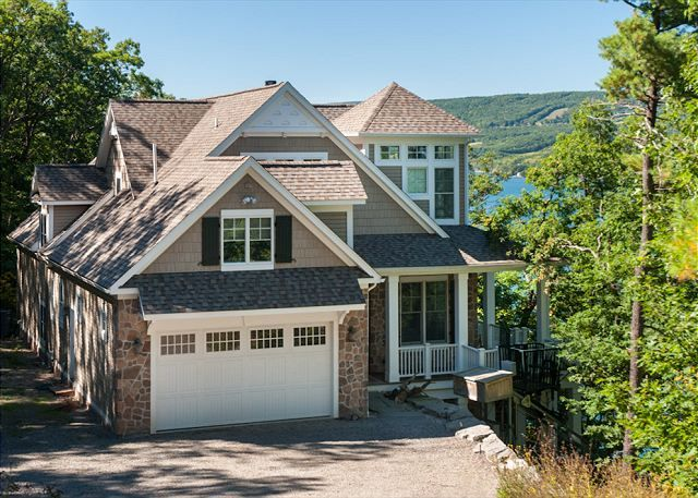 canandaigua lake vacation rentals the good life finger lakes rh pinterest co uk finger lake cottage rentals pet friendly finger lakes cottage rentals by owner