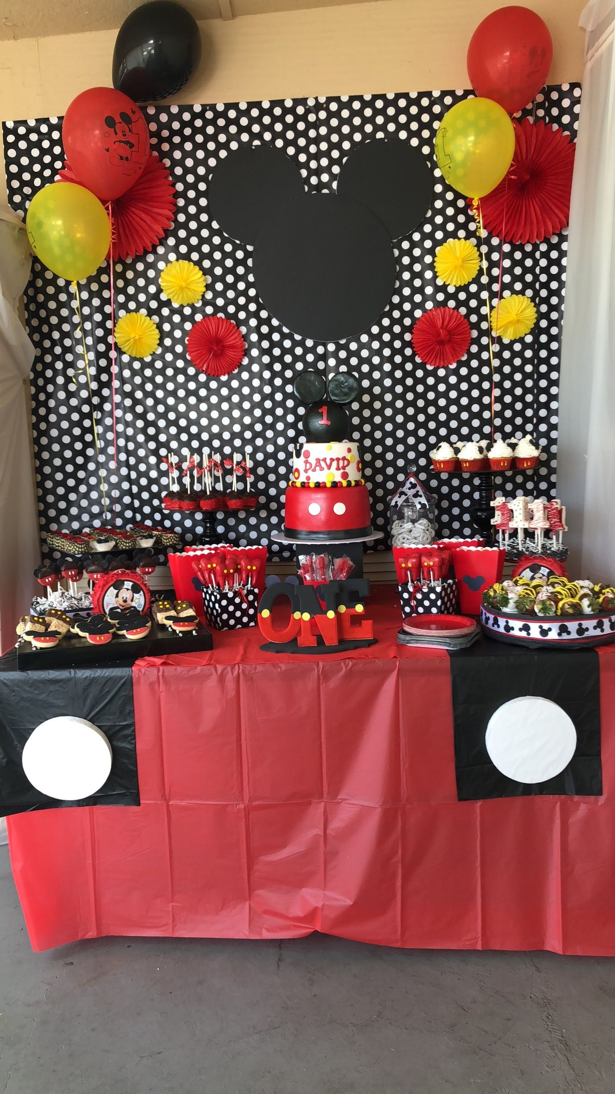 Mickey Mouse Cake Table For 1st Birthday Mickey Mouse First Birthday Mickey Mouse Parties Mickey Mouse Birthday
