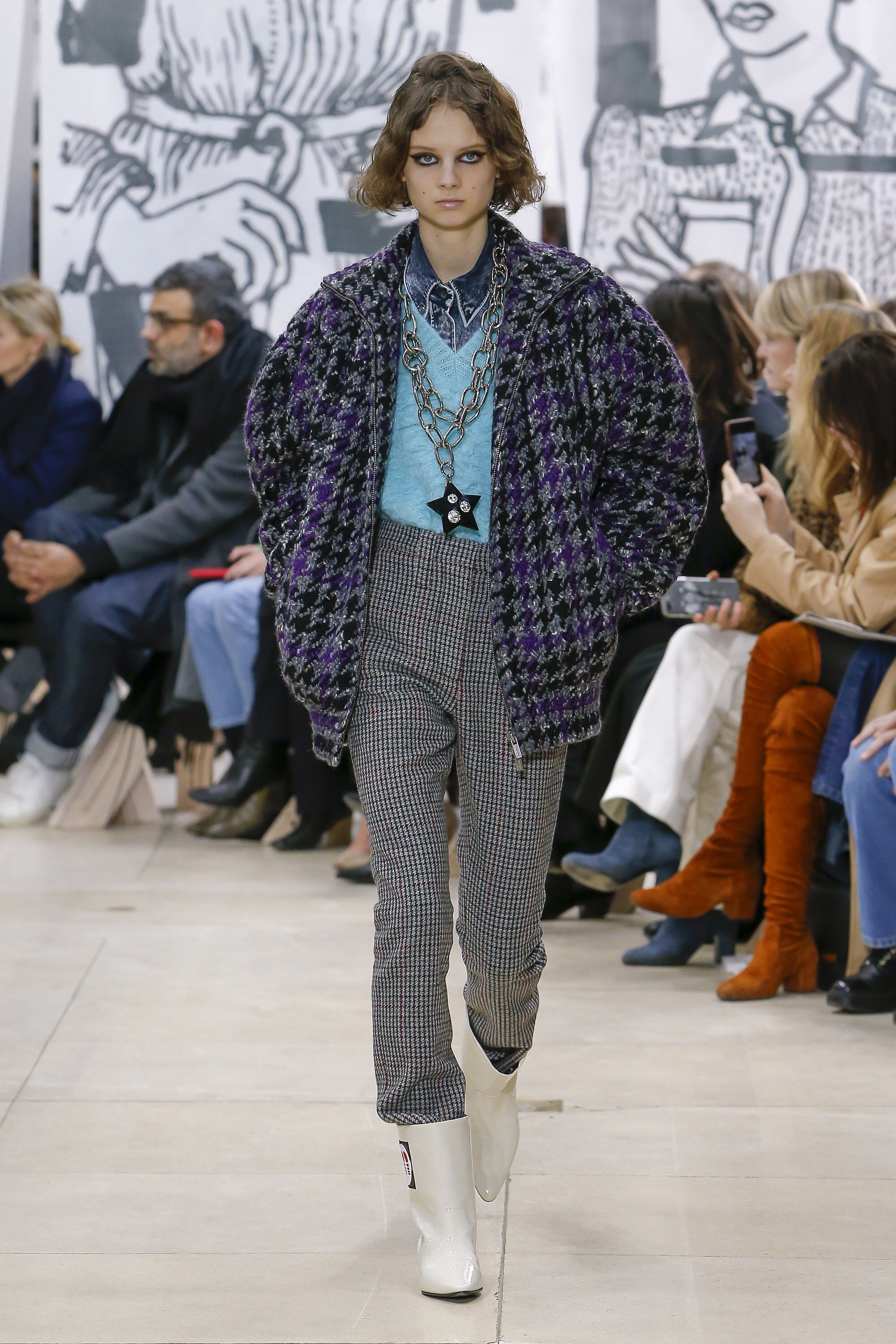 f997238ba0 Miu Miu Fall 2018 Ready-to-Wear Fashion Show Collection