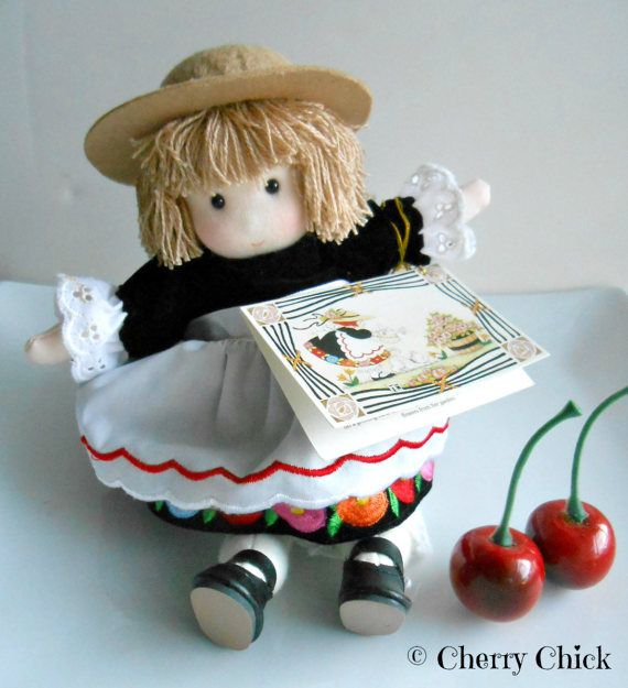 Mary Engelbreit Lilah Doll 1994 - Musical Doll - Mary Englebreit - Mary Engelbright - Collectible Mary Engelbreit - Limited Edition Doll