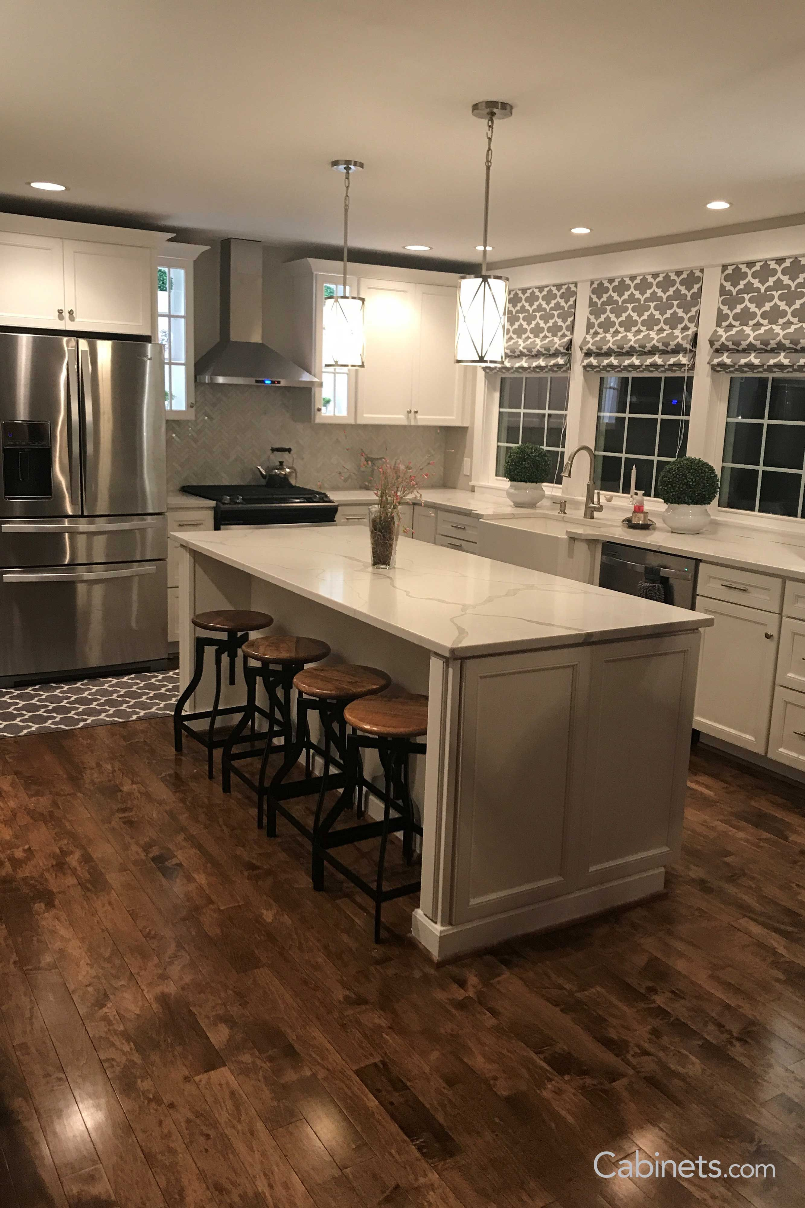 Show Your Style By Adding Textures And Patterns To Your Kitchen This Kitchen Shows Our Belleair Online Kitchen Cabinets Maple Kitchen Cabinets Kitchen Remodel