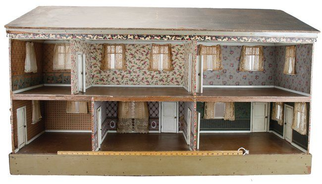 A Very Large Open Six Room Dolls' House : Lot 536