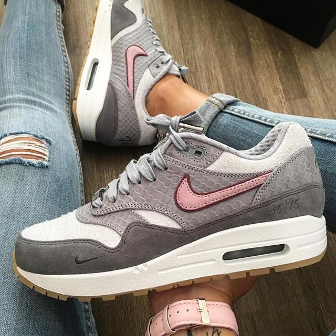 size 40 f3482 40928 Sneakers women - Nike Air Max 1 Paris Bespoke iD by ©celouuuuuuuu