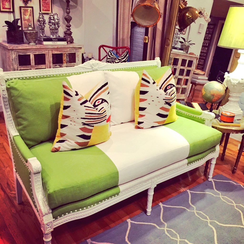New sofa obsession!! Christmas came early.  #sirianohome