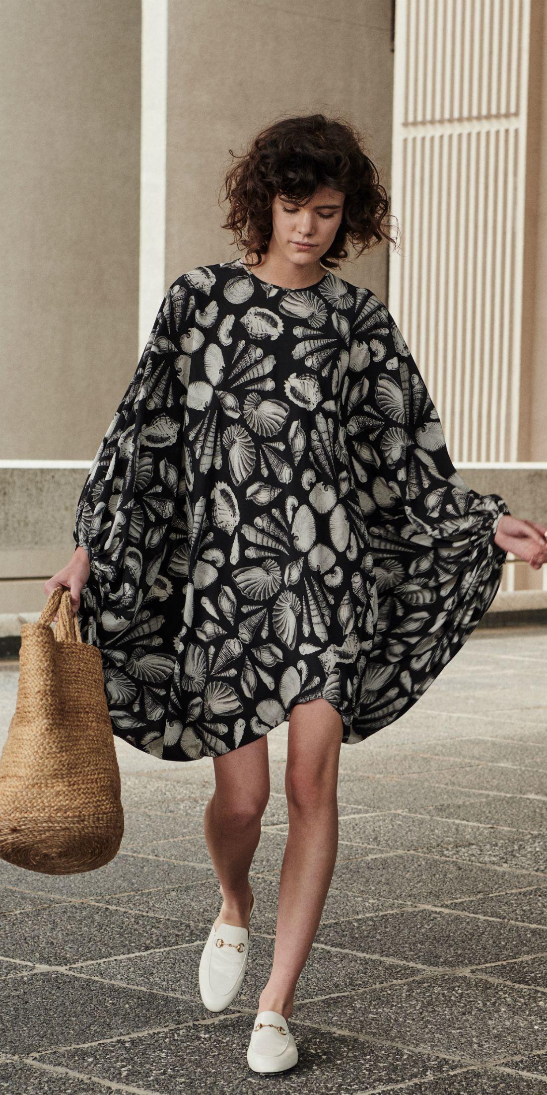 ALEXANDER McQUEEN Kleid  Fashion pictures, Alexander mcqueen, Fashion