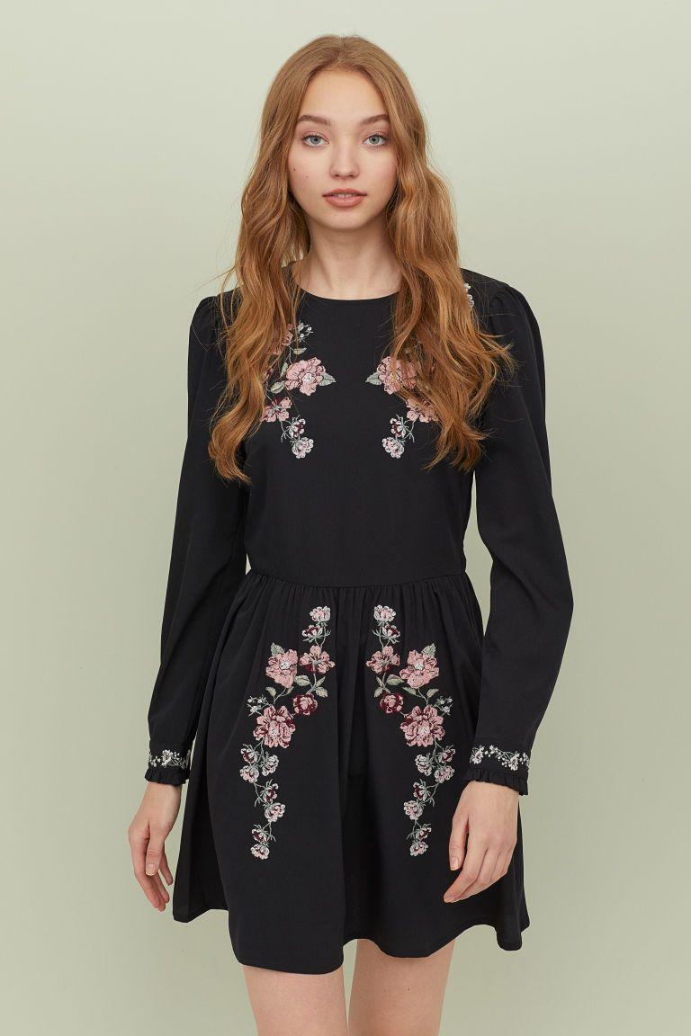 Embroidered Dress Black Flowers Ladies H M Ca Embroidered Dress Sun Dress Casual Short Dresses [ 1152 x 768 Pixel ]