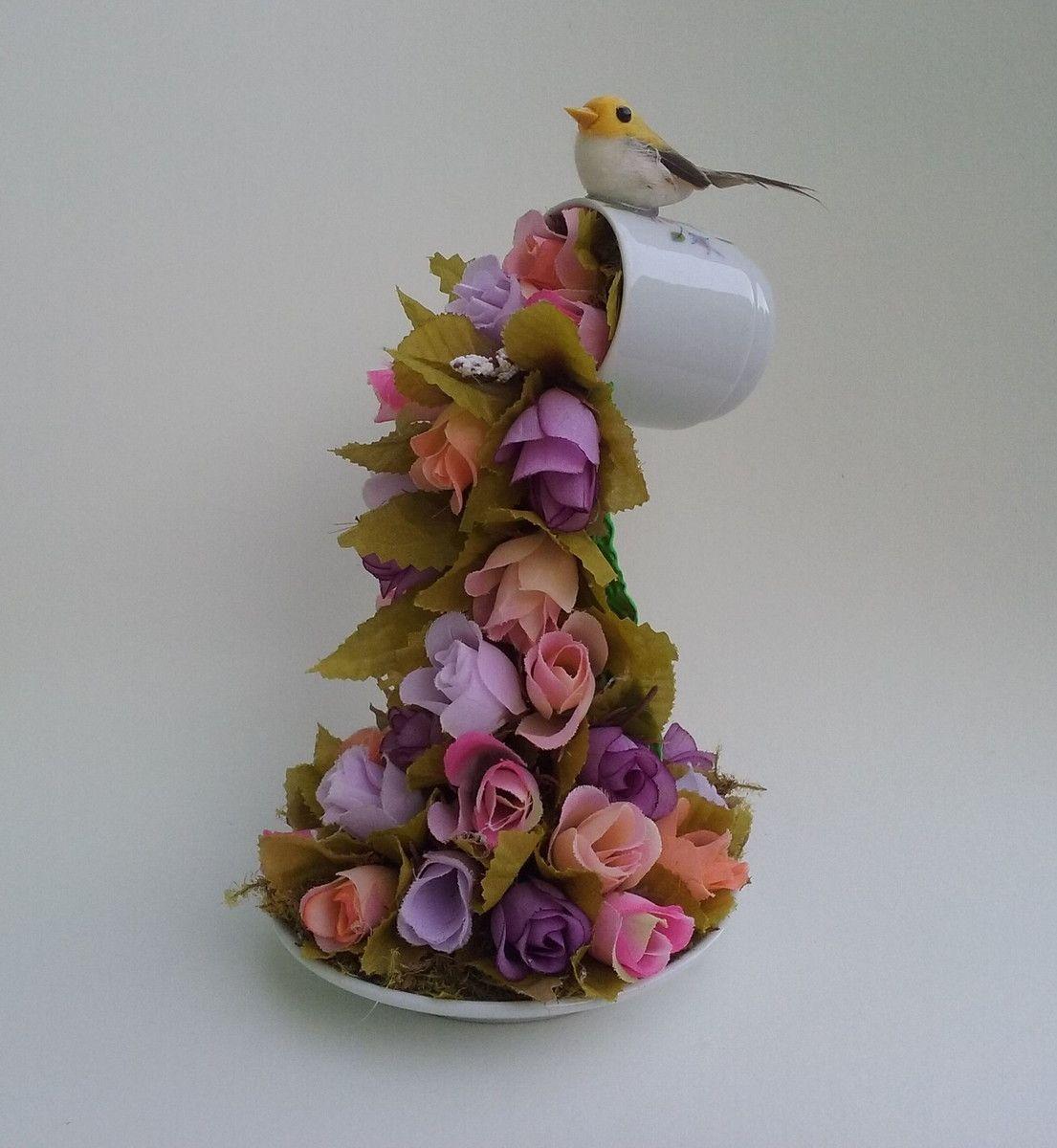 Enfeite De Xicara ~ Xícara Decorada com Flores em Cascata Xicaras decoradas, Flores artificiais e Flores