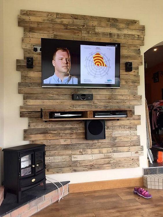 Wood pallets 668925350885749285 -  25+ Console de télévision en bois bricolage cool: idées de projets,  #bricolage #console #idees #projets #television Source by deborahrenaldi
