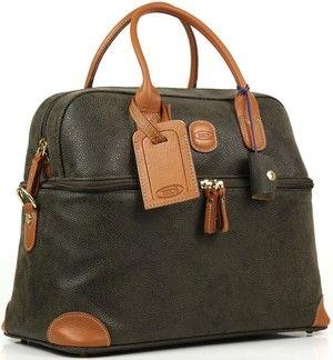 4c7176f64 Bella's luggage set in The Twilight Saga Breaking Dawn part 1 Beauty Case,  Bella Swan