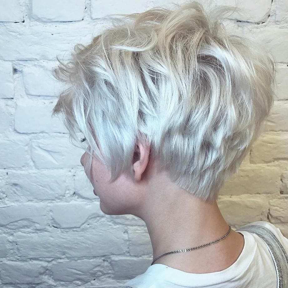 10 Latest Short Haircut for Fine Hair 2021 & Styli