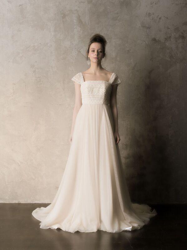 c47fb057e99 ショルダーレースのレトロなウェディングドレス | Verde(ヴェルデ ...