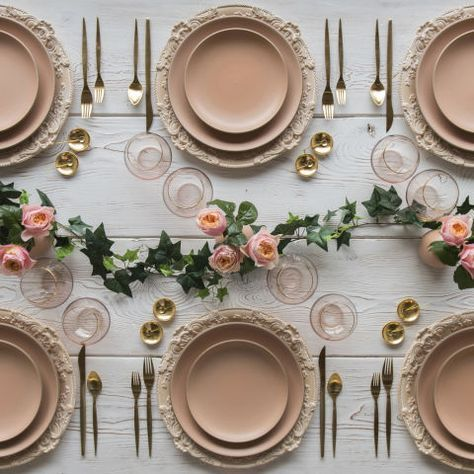 21 Tablescapes to Inspire Your Holiday Party Décor #weddingideas