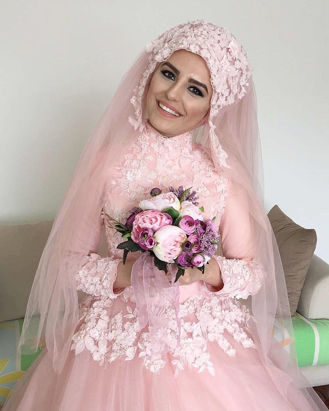 See this Instagram photo by @kubraaisikk • 337 likes | Muslim Bridal ...