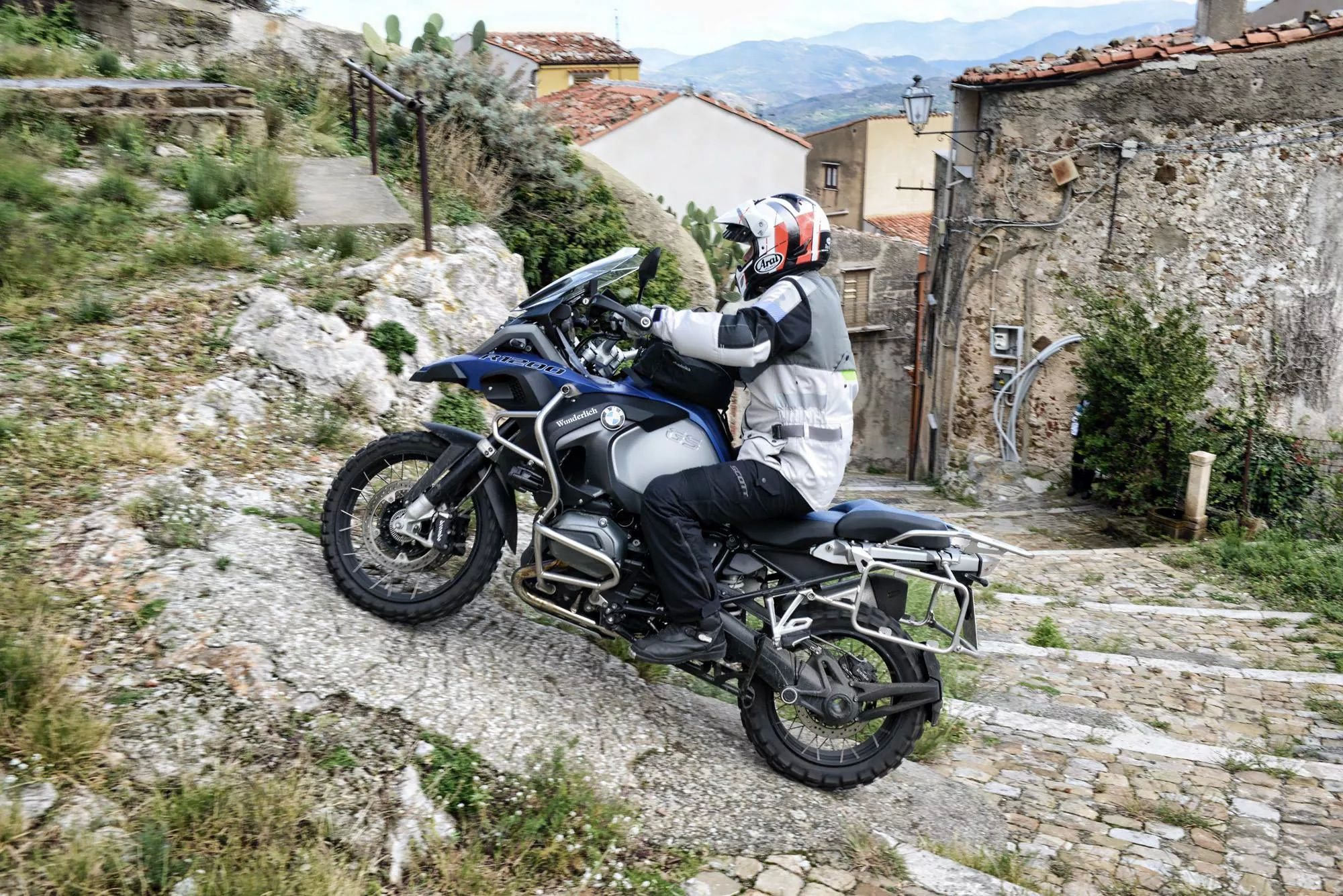 bmw r1200 gs adventure who needs a stenna when you 39 ve got a gsa adventure adventure. Black Bedroom Furniture Sets. Home Design Ideas