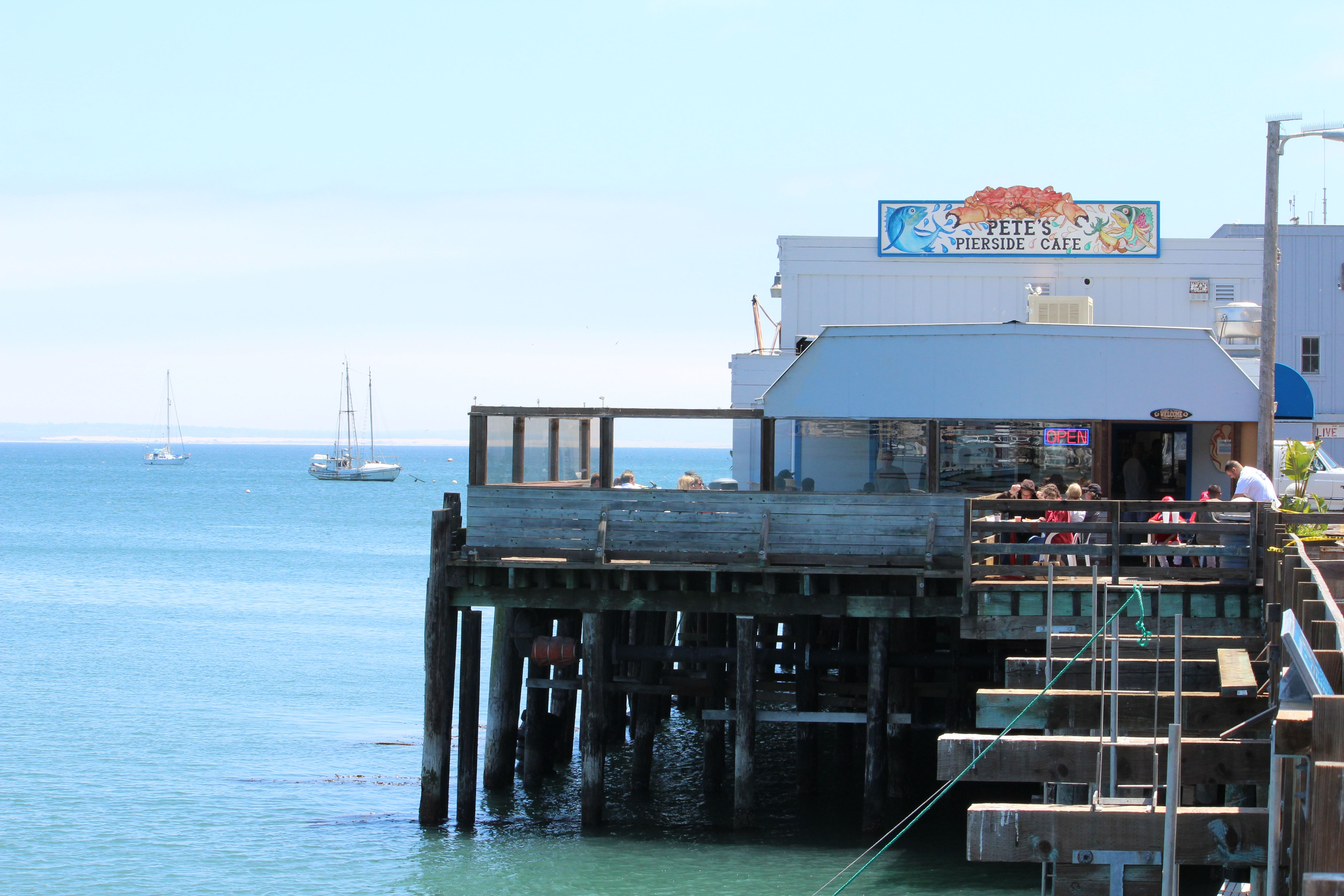 Pete's Pierside Cafe on the Harford Pier; beware of the