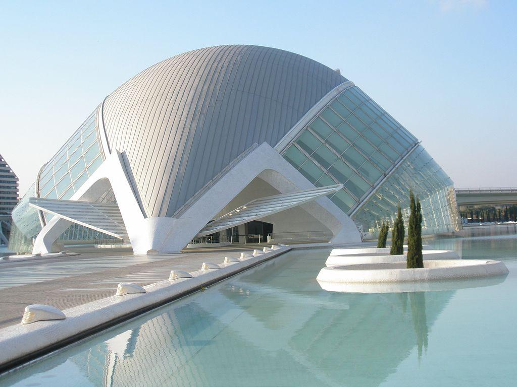 Hemisférico Ciudad De Las Artes Y Ciencias Arquitecto Santiago Calatrava 1998 Valencia Spain Futuristic Architecture Innovative Architecture Architecture