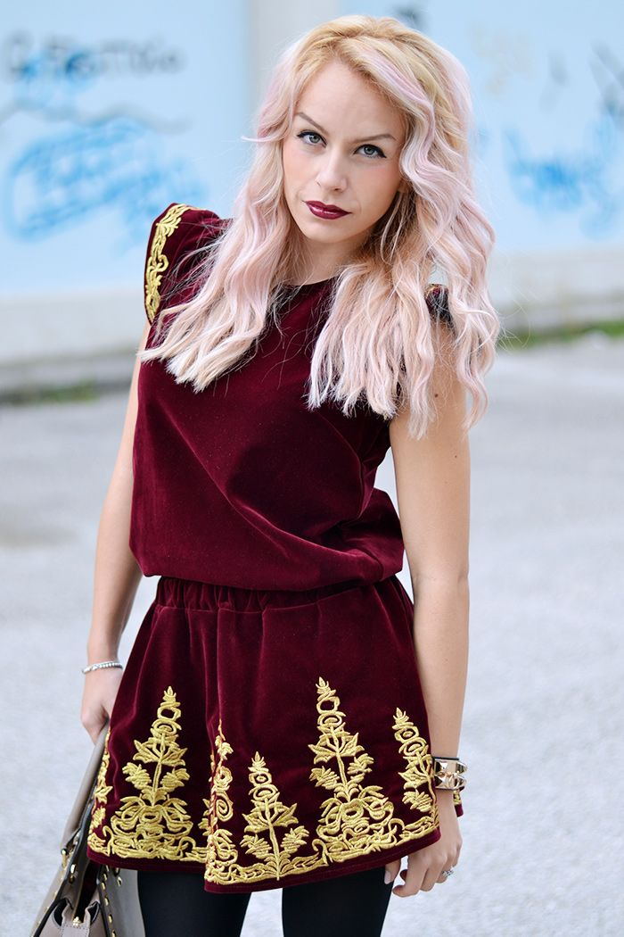 Chicwish burgundy playsuit, leather jacket, and pink hair - TODAY on my #fashionblog www.it-girl.it #fashion #look #style #pinkhair #fashionista #fashionblog #outfit #ootd #outfitoftheday