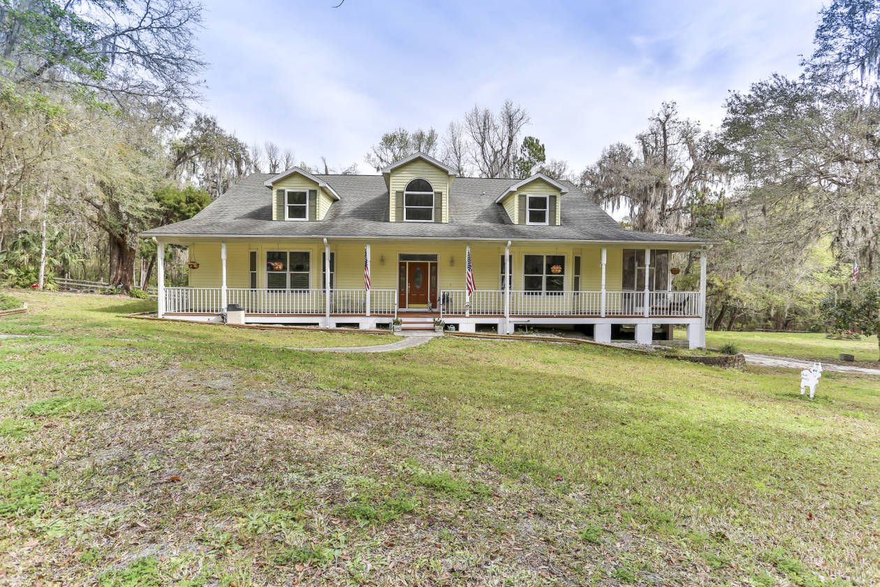 Two Magnificent Homes On 23 Acres In Rolling Hills Of Brooksville Fl Brooksville Hernando County Florida Pretty House Florida Brooksville
