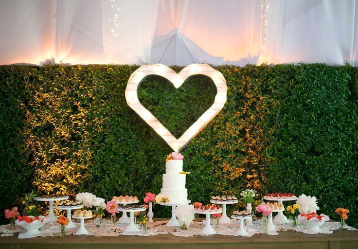 Marquee Heart Sign | Photo by Annie McElwain