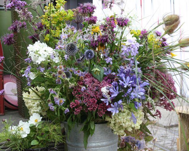Natural Flower Arrangements A Wedding In Dublin Howbert Mays Garden Centre