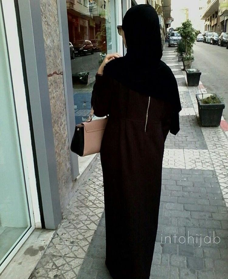 IG: IntoHijab || IG: BeautiifulinBlack || Modern Abaya Fashion ||