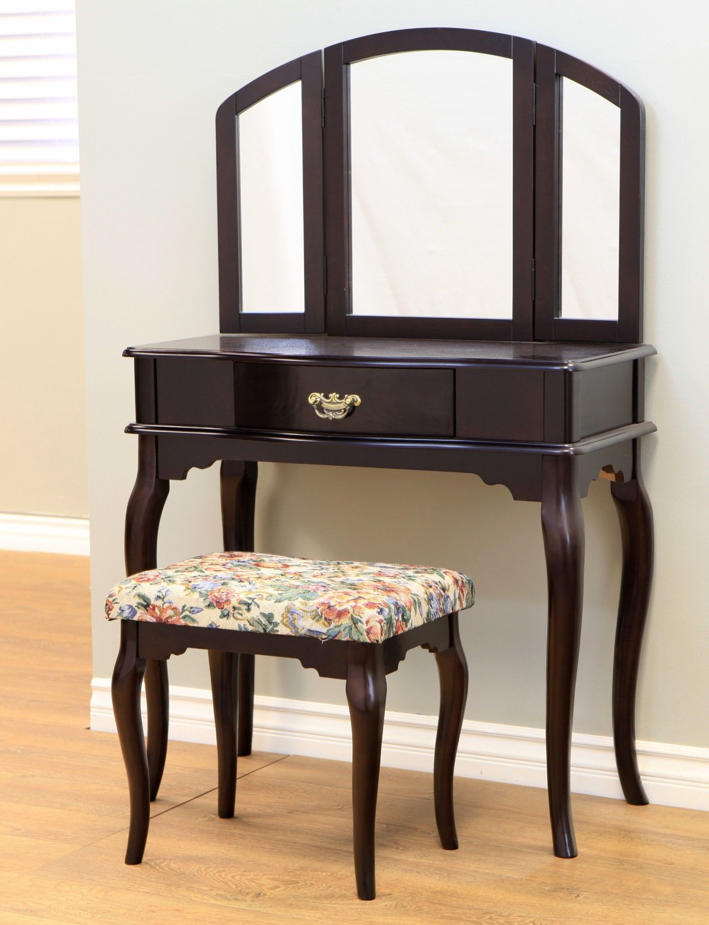 Mega Home Queen Anne Vanity Set With Mirror Furniture White Vanity Set Home Furnishings