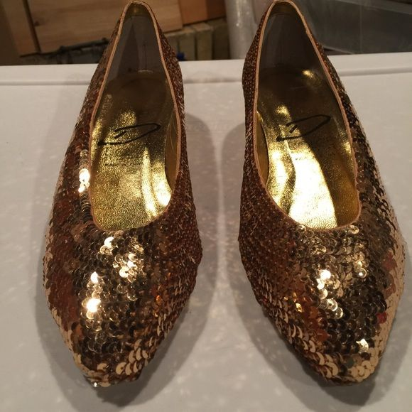 Women's Gold Sequence flats Women's Gold Sequence flats by Dolce by Perre size 8 - New never worn but missing one heel lift easy to fix with shoemaker Dolce by Pierre Shoes Flats & Loafers