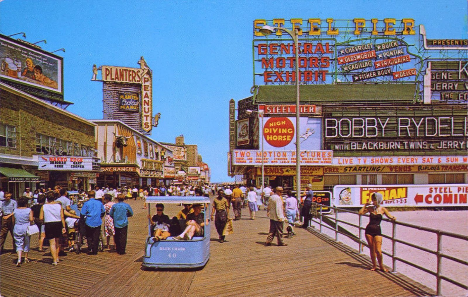 19 Wonderful Color Photos Capture Scenes Of The Atlantic City Beach And Boardwalk From Between 1950s 60s