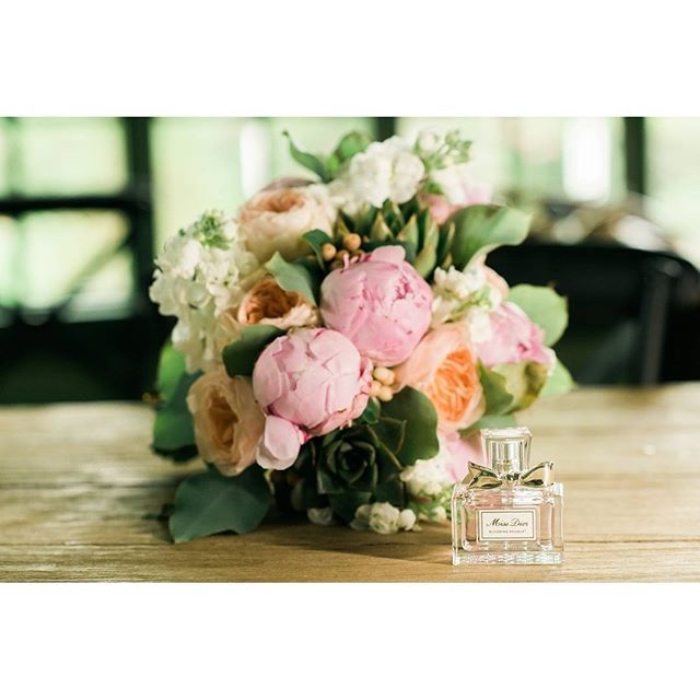These flowers though. To die for. #succopconservancy #missdior #succop #succopwedding