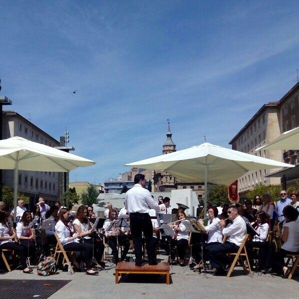 "Orquesta interpretando ""Canto a la libertad"" de Labordeta"