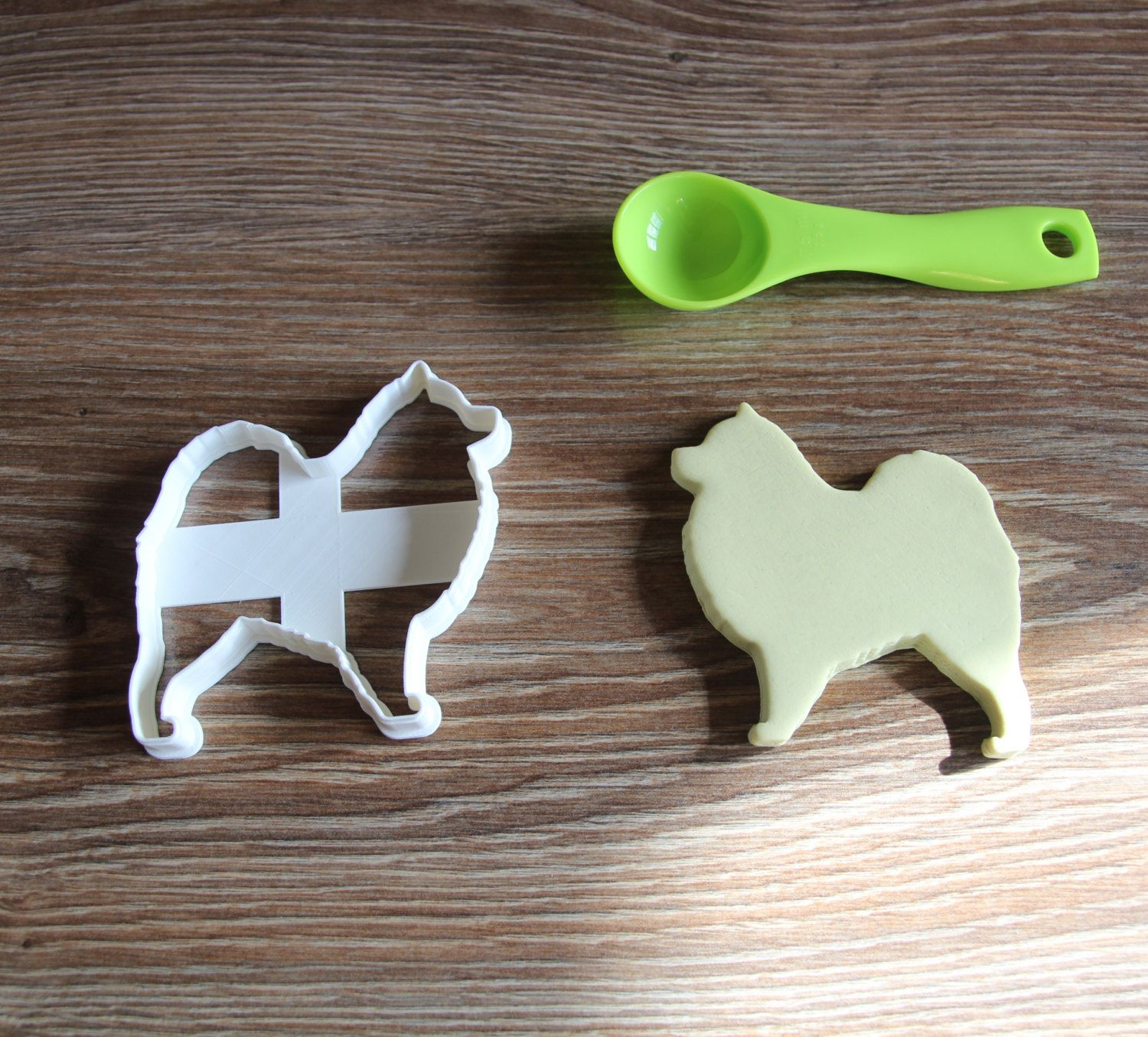 Samoyed Cookie Cutter Dog Breed Treat Cutter puppy cupcake toppers by CookieCuttersFactory on Etsy