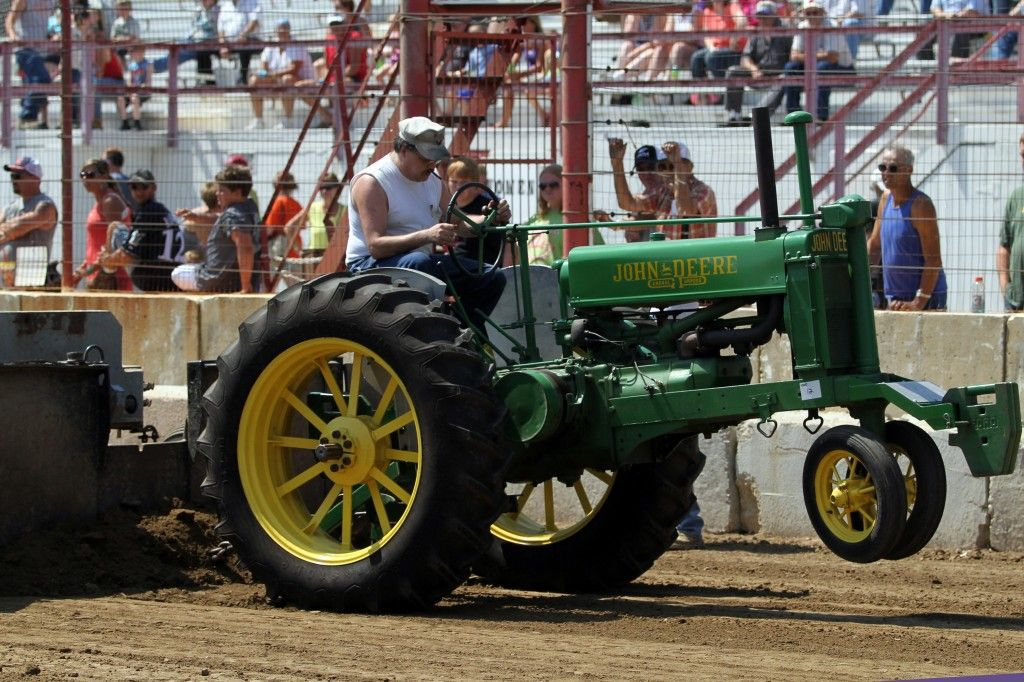 Places To Go Farm Tractor Pull Dcfairwi Familyevent Grandstand Tractor Pulling Farm Tractor Tractors
