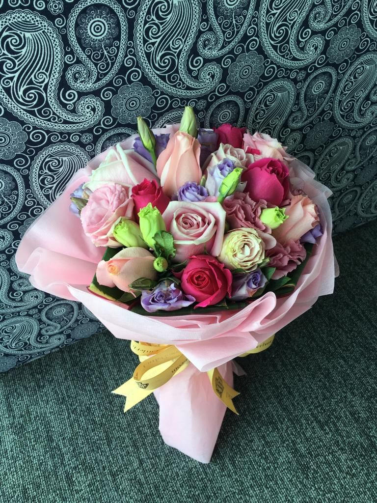 Premium Quality Hand Bouquet Singapore Little Flower Hut Hand Bouquet Same Day Flower Delivery Bouquet