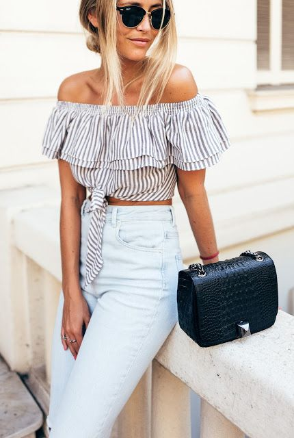 e2886b96f675bc ruffle crop top and high waisted jeans