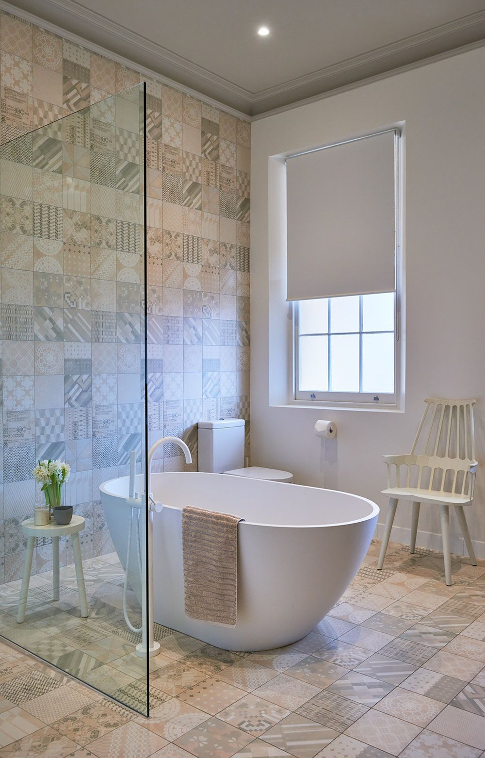 Gorgeous Bathrooms With Freestanding Tub Focal Points ... on walk in tubs bathroom design, copper tub bathroom design, claw tub bathroom design, clawfoot tub bathroom design, garden tub bathroom design, corner tub bathroom design, shower bathroom design, cottage bathroom design, rectangular tub bathroom design,