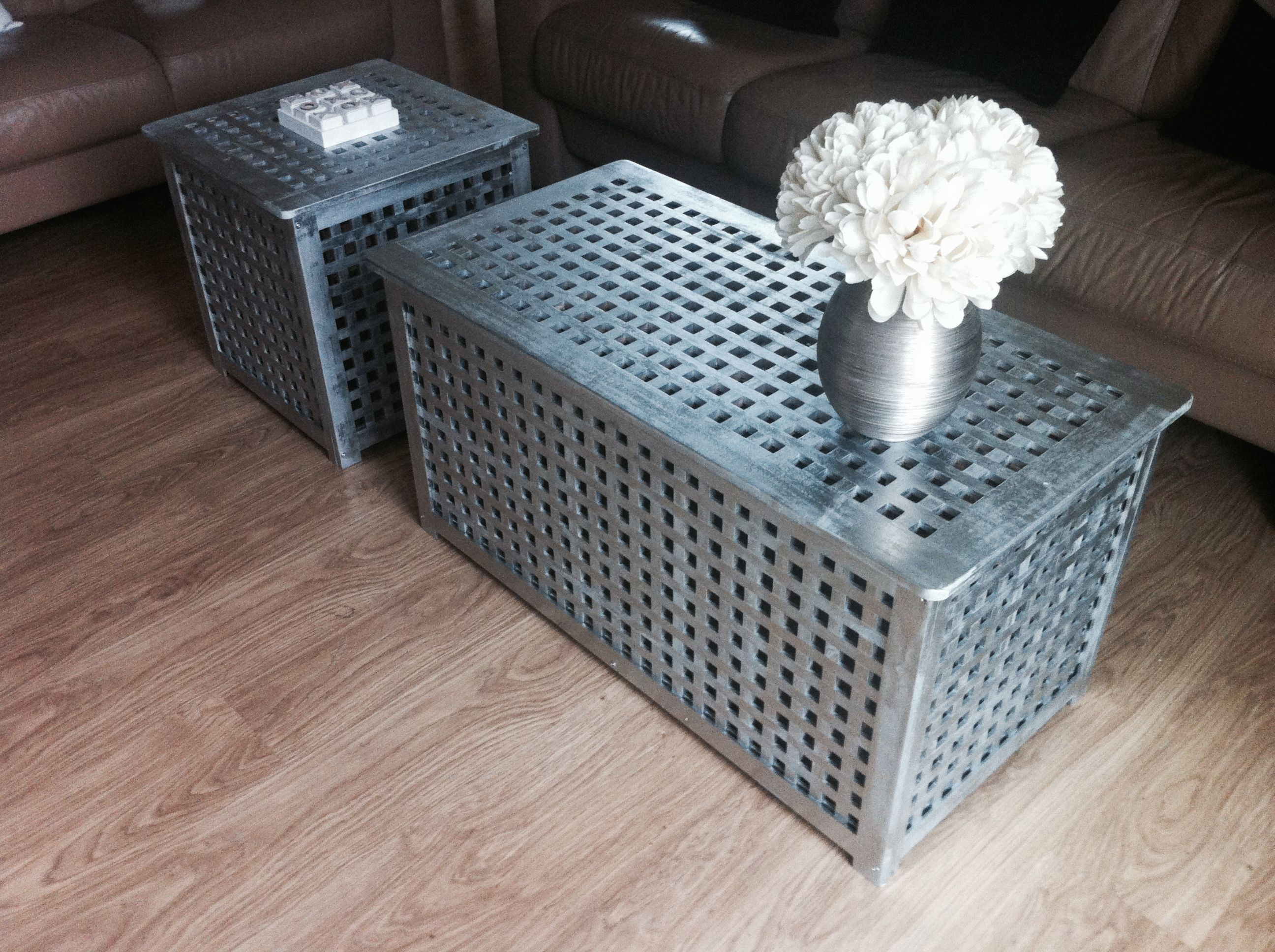 Ikea Hol coffe table covered with silver metallic paint | DIY ...