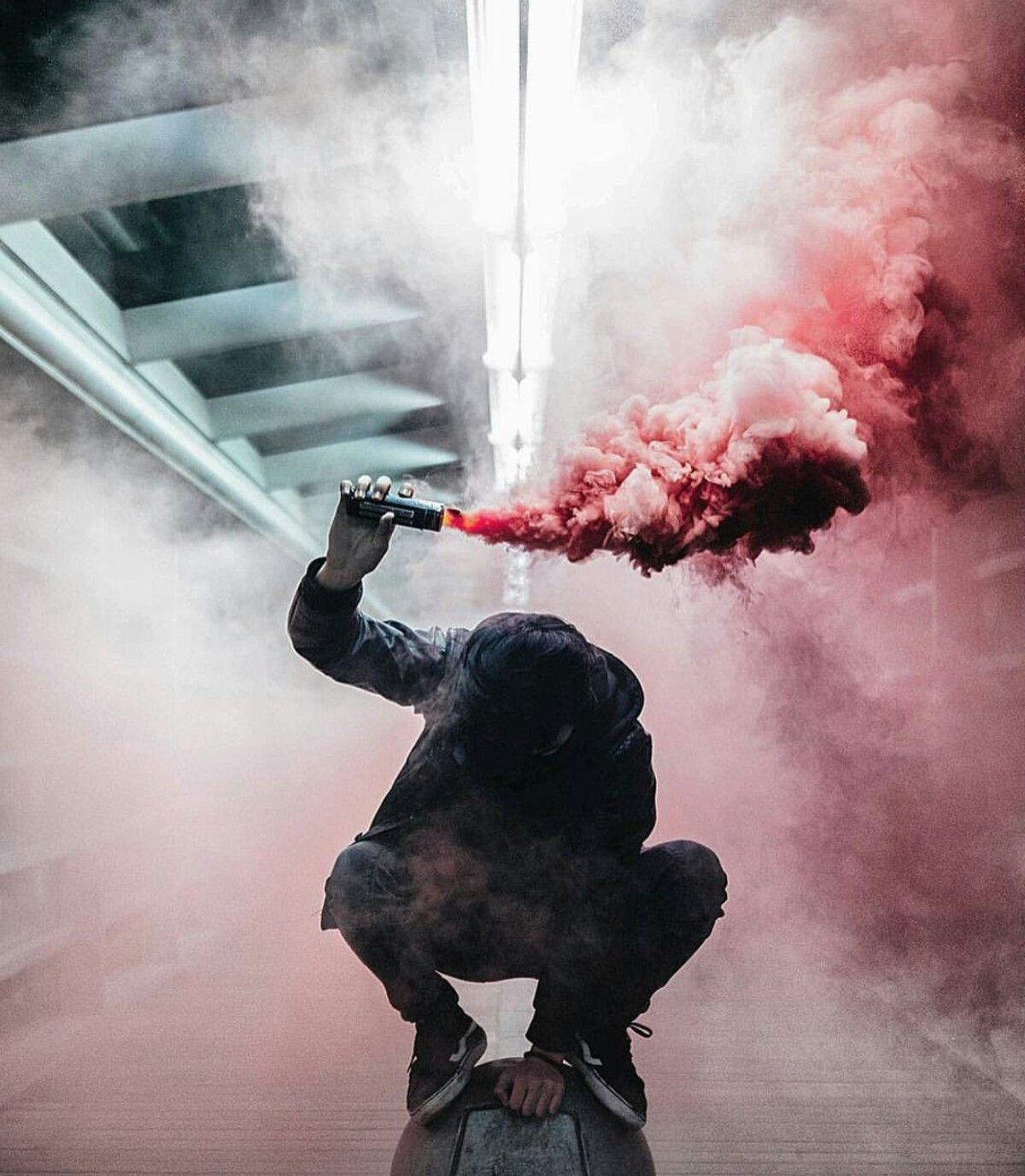 smoke-bomb-for-photography-photo-retouching-sample | Photo Color