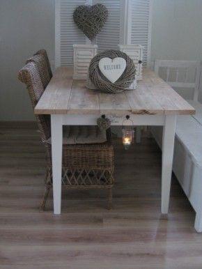 Landelijke tafel van steigerhout living room pinterest for Landelijke eettafel stoelen