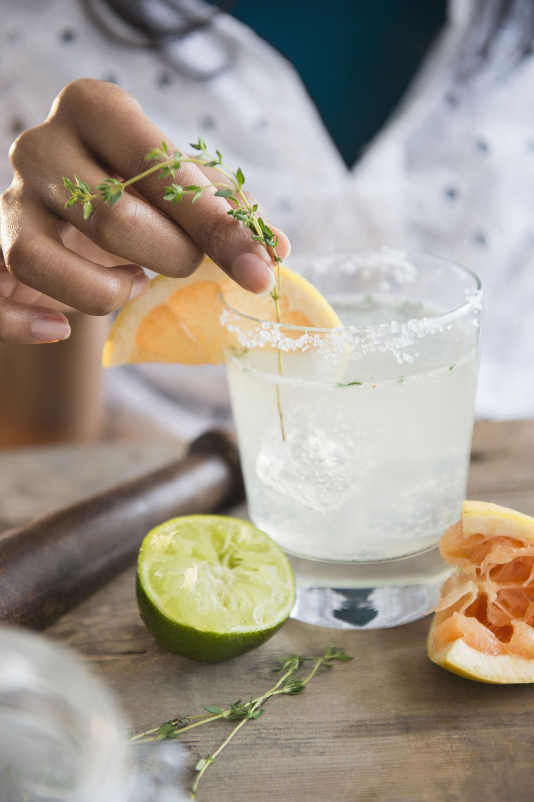5 Cocktails Made with Limoncello: The Ultimate Summer Liqueur #limoncellococktails