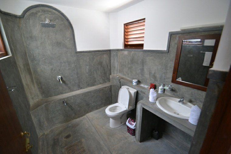 Salle de bain en béton ciré pour un aménagement tendance