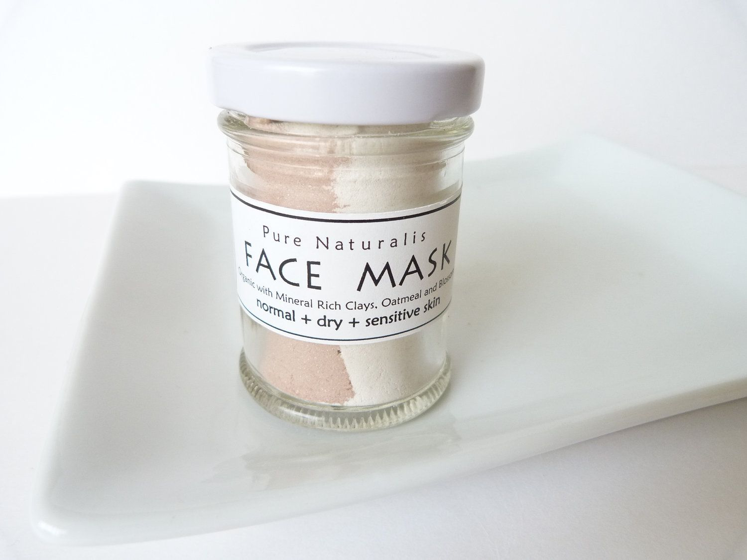 Face mask with organic botanicals and clays for normal to