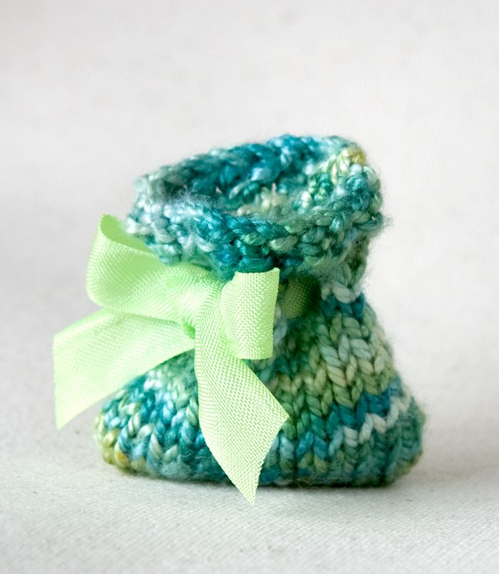 Margalo Gift Bag - A tiny knitted drawstring bag for a special ...
