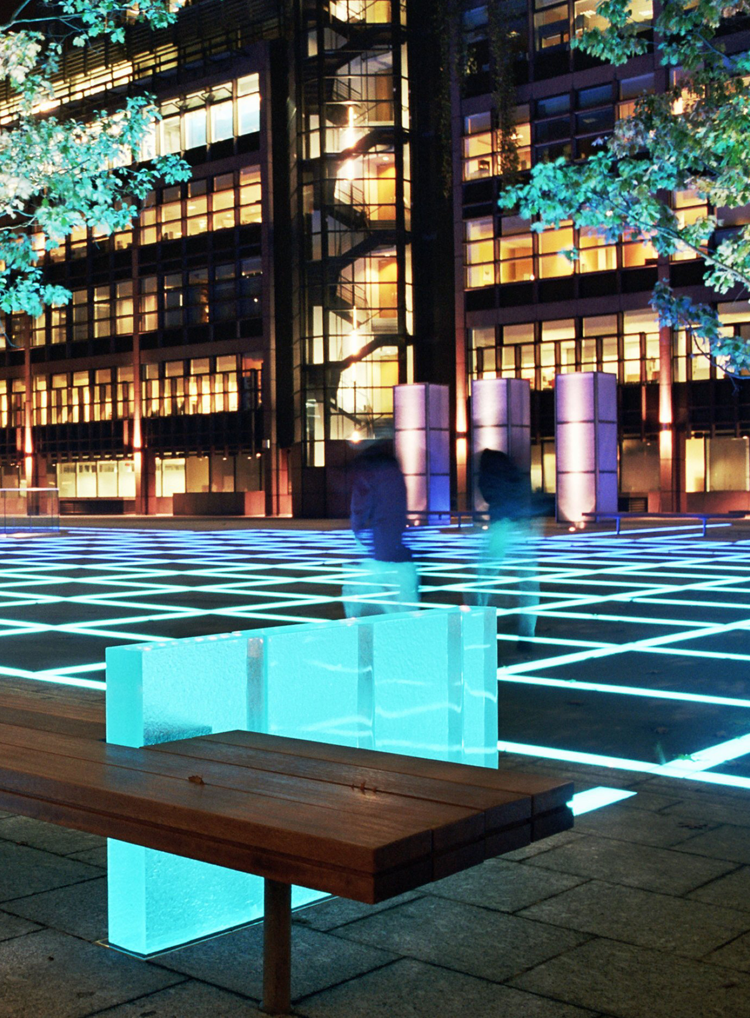 Finsbury Avenue Square, Broadgate. Lighting design by ...