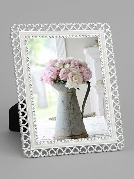Pretty, delicate, heart detailed photo frame. A great frame for your ...