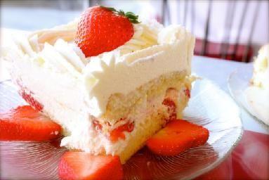 Wheatfields Omaha Ne Strawberry Wedding Cake A Little Taste Of Heaven Strawberry Wedding Cakes Wedding Cake Recipe Decadent Desserts