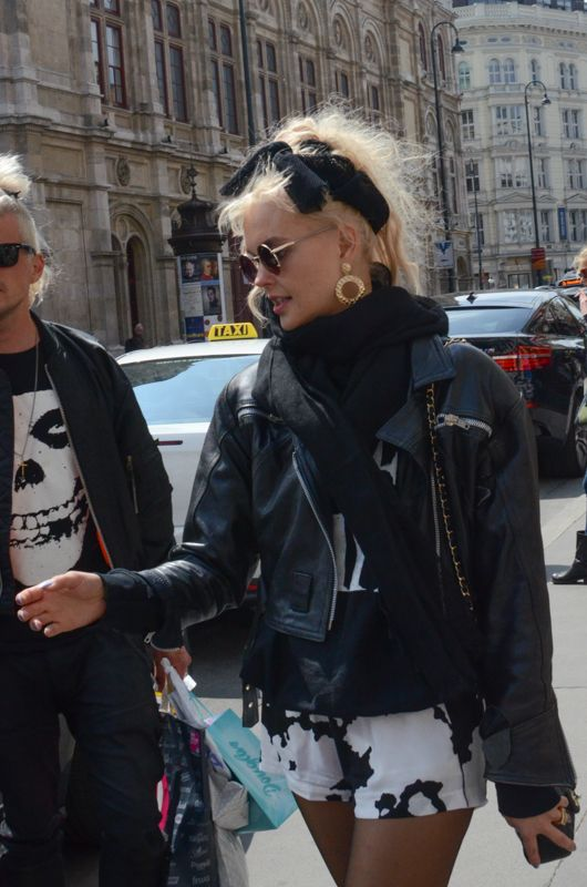Street Style In Vienna Austria Street Style In 2019 Street