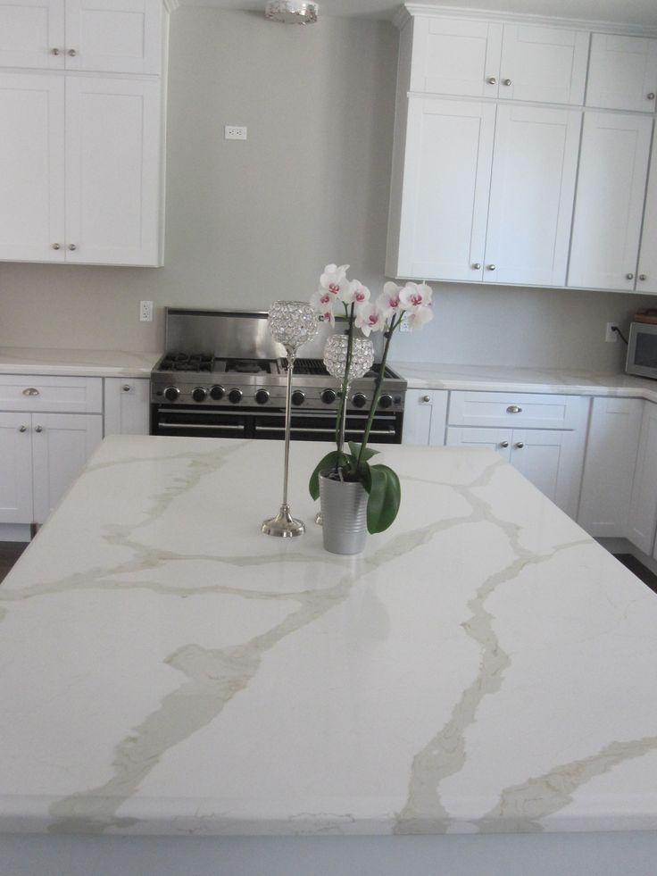 White Shaker Kitchen Cabinet With Calcatta Gold Quartz