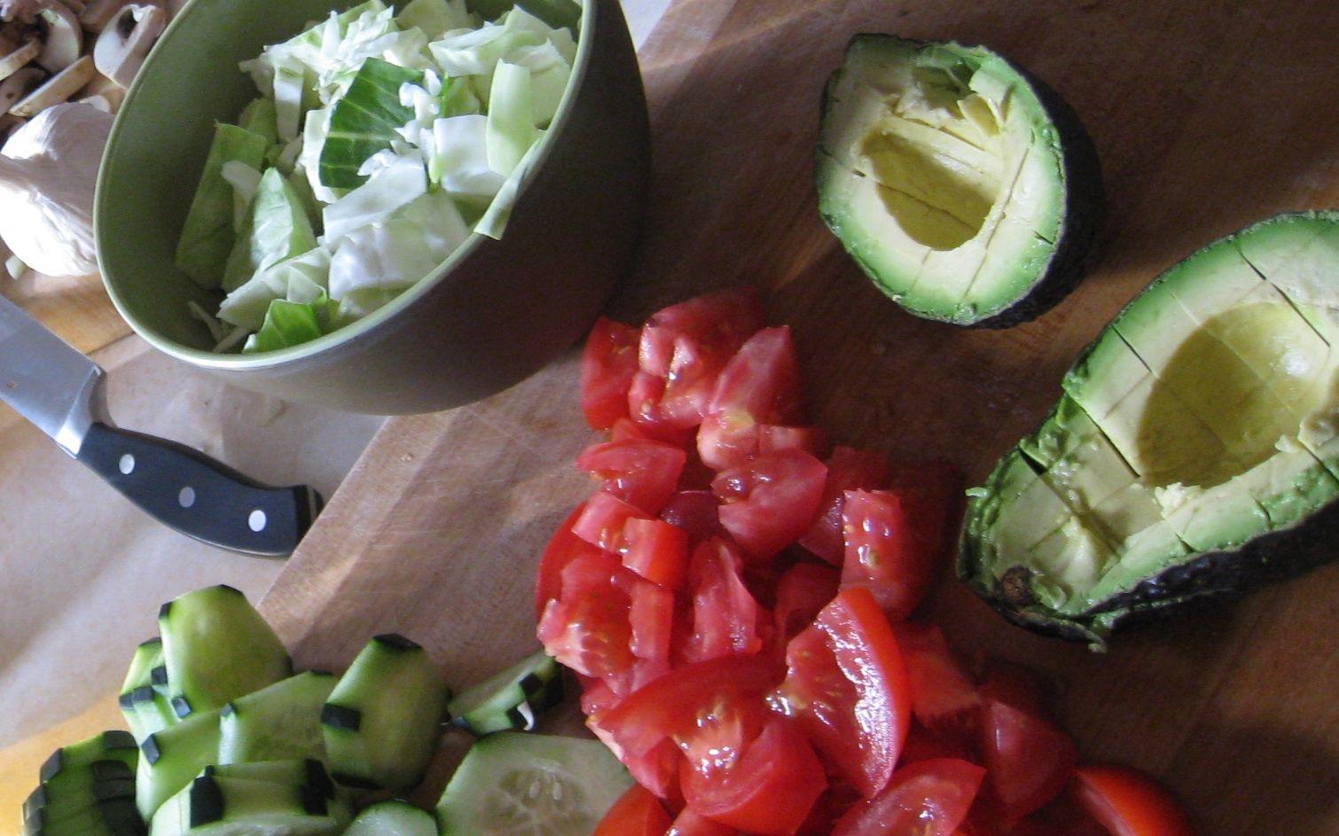 Aguacates rellenos de quinoa... proteinas y grasas saludables con gusto